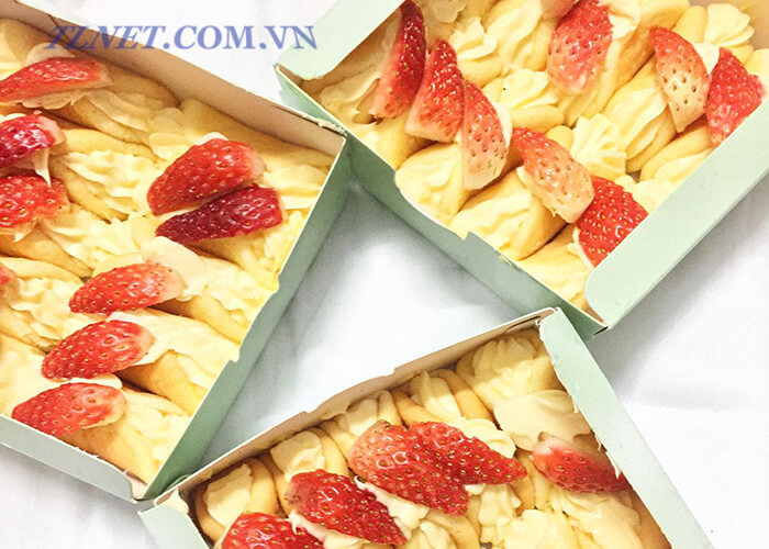 Bánh custard dâu