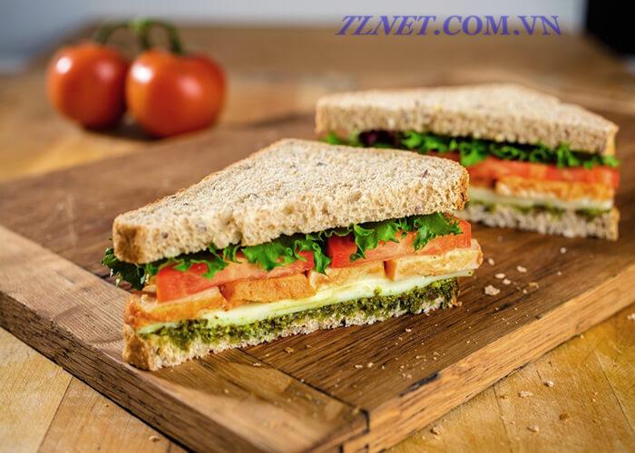 Bánh Mì Sandwich Cuộn Cá