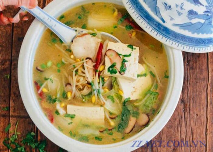 Canh đậu hũ cá và bún gạo