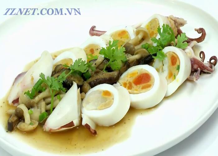 Mực Nhồi Trứng Sốt Nấm