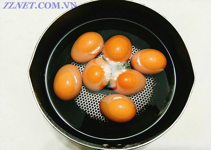 Trứng Ngâm Nước Nóng