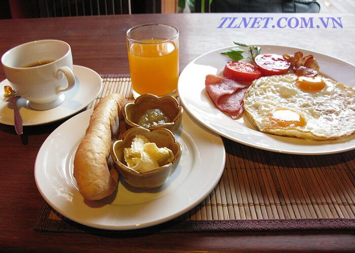 Trứng Ốp La Và Thịt Jambon